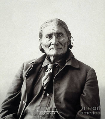 Apache Warrior Photograph - Geronimo (1829-1909) by Granger