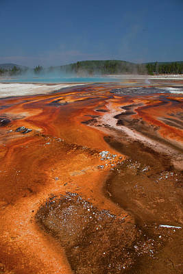 Photograph - Geyser Mineral Pool by Cliff Wassmann