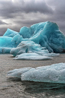 Photograph - Glacier Lagoon by Tom Singleton