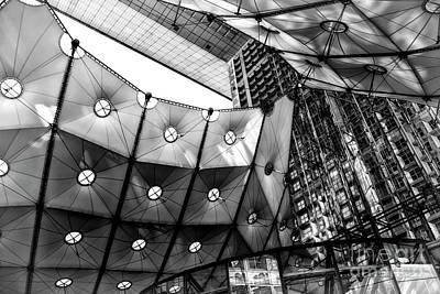 Photograph - Grande Arche De La Defense by Patricia Hofmeester