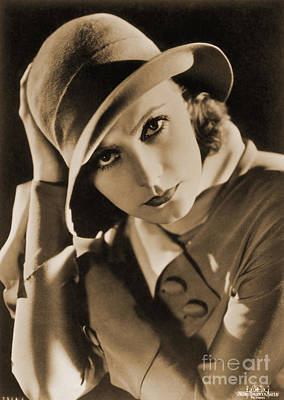 Photograph - Greta Garbo by Photo Researchers