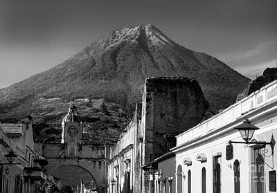 Photograph - Guatemala_8-17 by Craig Lovell