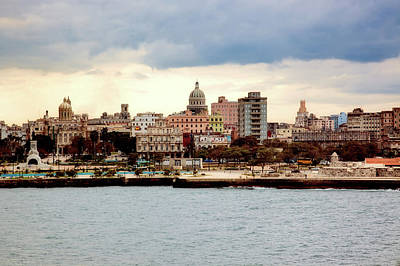 Photograph - Havana Cuba by L O C