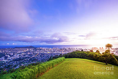 Photograph - Hawaiian Twilight Tantalus Lookout by Benny Marty