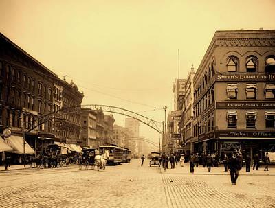 Photograph - High Street - Columbus Ohio 1903 by L O C