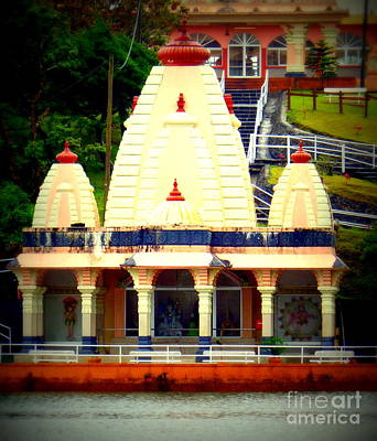 Photograph - Hindu Temple by John Potts