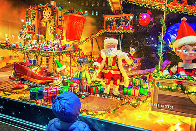 Photograph - Holiday Widow Display In New York by Alexander Image