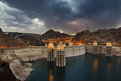 Photograph - Hoover Dam by Jonas Wingfield