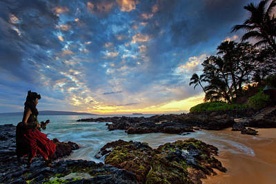 Photograph - Hula Sunset by James Roemmling