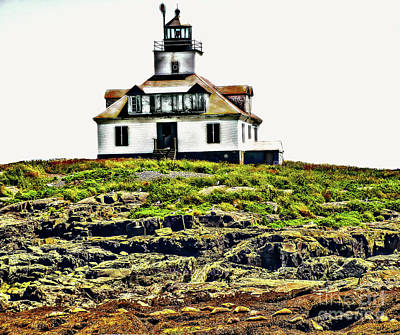 Photograph - Island Lighthouse by Raymond Earley