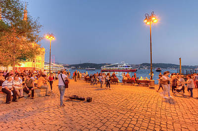 Photograph - Istanbul At Night by David Pyatt