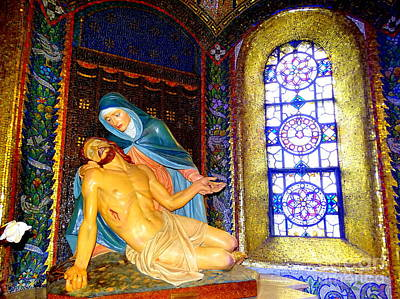 Photograph - Jesus And Mary by Ed Weidman