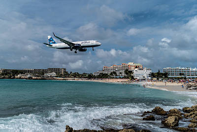 Photograph - jetBlue landing at St. Maarten by David Gleeson