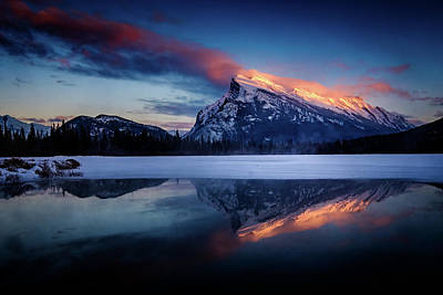 Photograph - Last Light On Mount Rundle by Peter OReilly