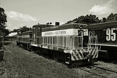 Photograph - Laurinbug And Southern 70 Tonner B W by Joseph C Hinson Photography