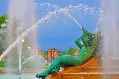 Benjamin Franklin Parkway Digital Art - Logan Circle Fountain 1 by Bill Cannon
