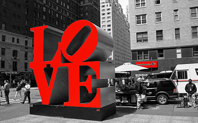 Photograph - Love In The Big Apple by Allen Beatty