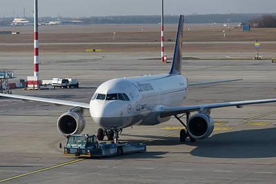 Photograph - Lufthansa Airbus A320-211 by David Pyatt