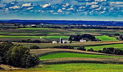 Iowa Farm Photograph - Lush Iowa Farm Valley by L O C