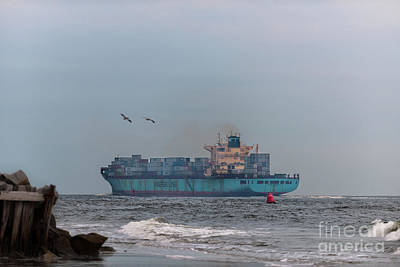 Photograph - Maersk Duisburg by Dale Powell