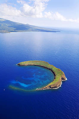 Photograph - Molokini Aerial by Ron Dahlquist - Printscapes