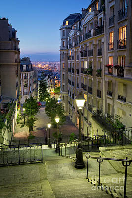Photograph - Montmartre Twilight by Brian Jannsen