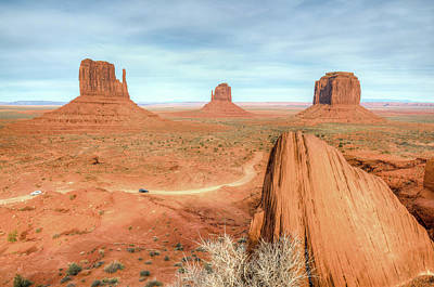 Photograph - Monument Valley by Ray Devlin