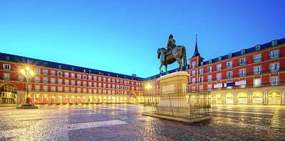 Photograph - Morning Light At Plaza Mayor In Madrid by Anek Suwannaphoom
