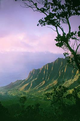 Photograph - Na Pali Coast by Greg Vaughn - Printscapes