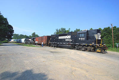 Photograph - Norfolk Southern Extension Cord Line 2005 by Joseph C Hinson Photography