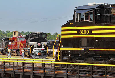 Photograph - Ns Heritage Locomotives Family Photographs 8100 Day 21 by Joseph C Hinson Photography