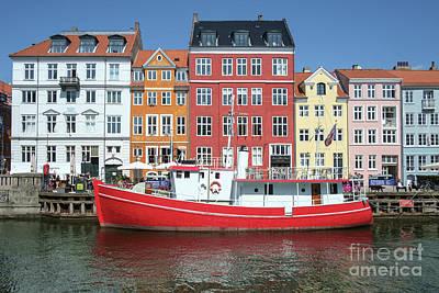 Reptiles - Nyhavn Historic Harbor Copenhagen by Jannis Werner