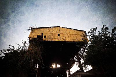 Obsolete Building Original by Kam Chuen Dung
