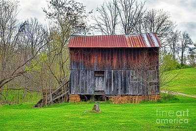 Photograph - Old Barn by David Arment