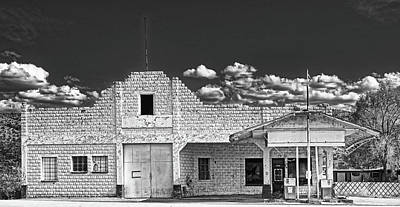 Photograph - Old Gas Station - Truxon, Arizona by Library Of Congress