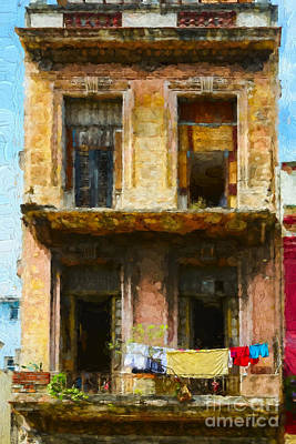 Photograph - Old Havana Building by Les Palenik