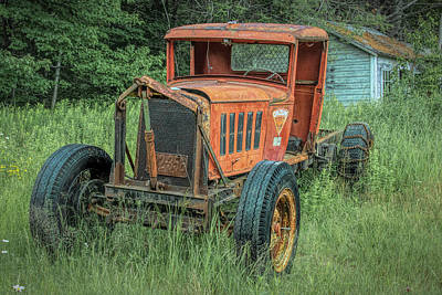 Photograph - Old Rusty by Guy Whiteley