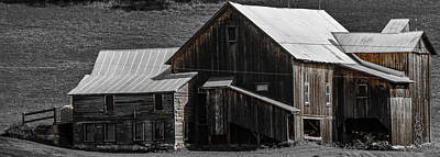 Photograph - Old Vermont Barn by Sherman Perry