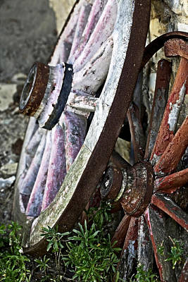 Photograph - Old Wagon Wheels by Marilyn Hunt