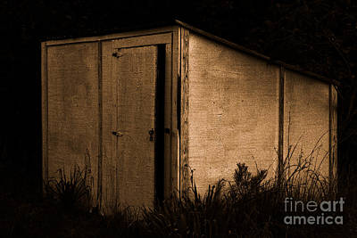 Photograph - Old Well House by Kim Henderson