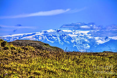 Photograph - Over The Hill by Rick Bragan