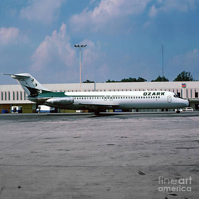 Ozark Airlines Douglas Dc-9-32, N998r Art Print by Wernher Krutein