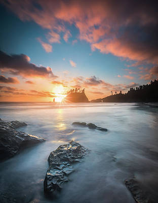 Photograph - Pacific Sunset At Olympic National Park by William Lee