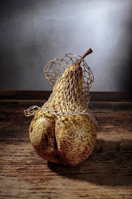 Wood Box Photograph - Pear by Nailia Schwarz