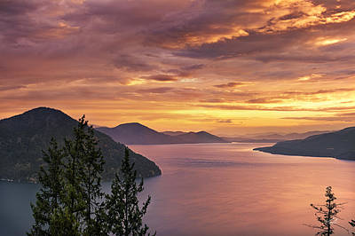 Restful Photograph - Pend Oreille Sunrise by Leland D Howard