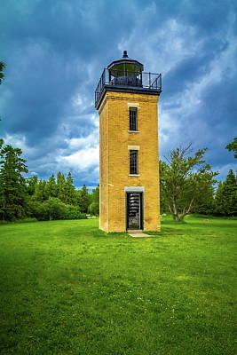 Photograph - Peninsula Point Lighthouse by Chuck De La Rosa