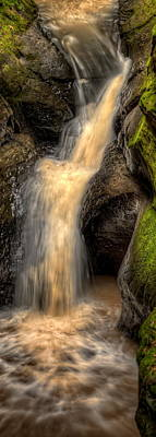 Photograph - Pewits Nest Middle Waterfall by Dale Kauzlaric