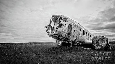 Photograph - Plane Crash Iceland by Edward Fielding