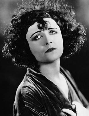 Pola Negri Photograph - Pola Negri, Ca. Mid-1920s by Everett