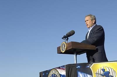 President George W. Bush Speaking Art Print by Everett